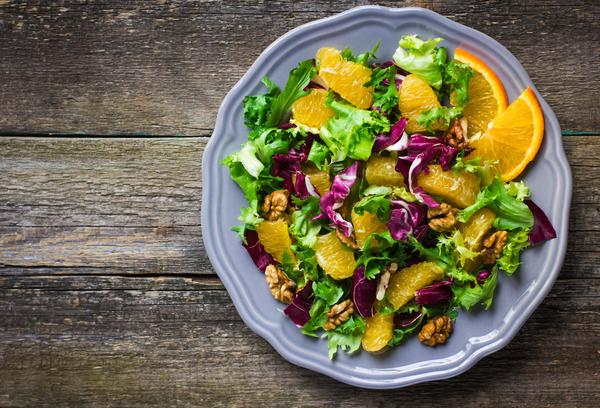 Salad with Oranges and Walnuts